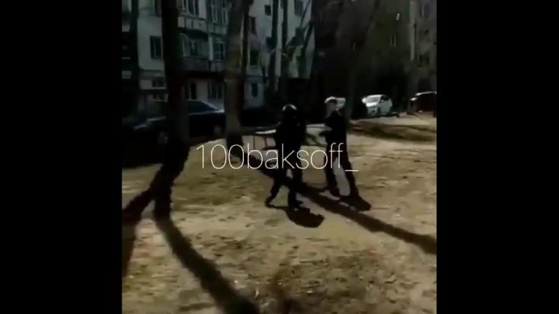 Отец подначивал малолетнего сына избивать своего ровесника 18