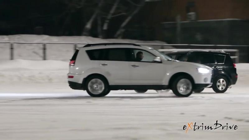 Танец машин и фигуристов на льду.....очень красиво!