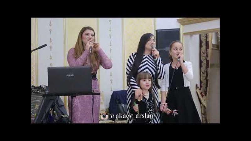 Альбина и Джамиля Казакмурзаевы