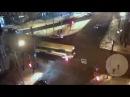 Девушка шагнула под автобус