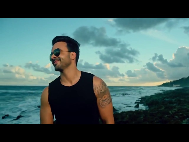 Luis Fonsi - Despacito ft. Daddy Yankee Justin Bieber (OFFICIAL VIDEO)