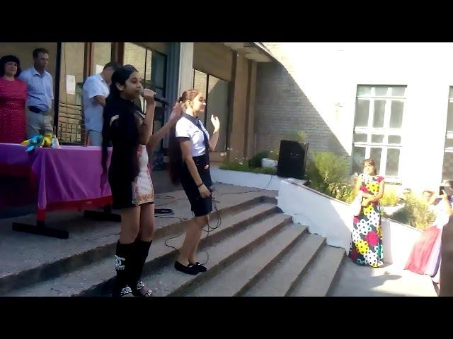 Цыганочки школьницы поют на 1 сентября 2015г.