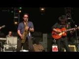Duane Eddy - Peter Gunn (Glastonbury 2011)