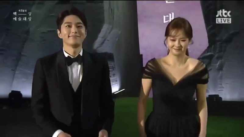 VID 180503 The 54th Baeksang Arts Awards 인피니트 Myungsoo with Go Ara k oreans