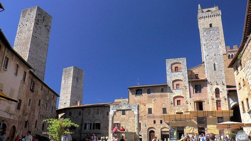 San Gimignano Tuscany Italy - the medieval Manhattan (Toscana, Italia) [HD] (videoturysta)