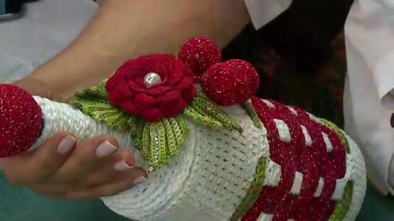 Garrafas Decoradas em crochê com motivos natalinos por Mariajose Alves para Círculo S/A