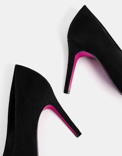 Туфли с контрастной подошвой, на каблуке-шпильке