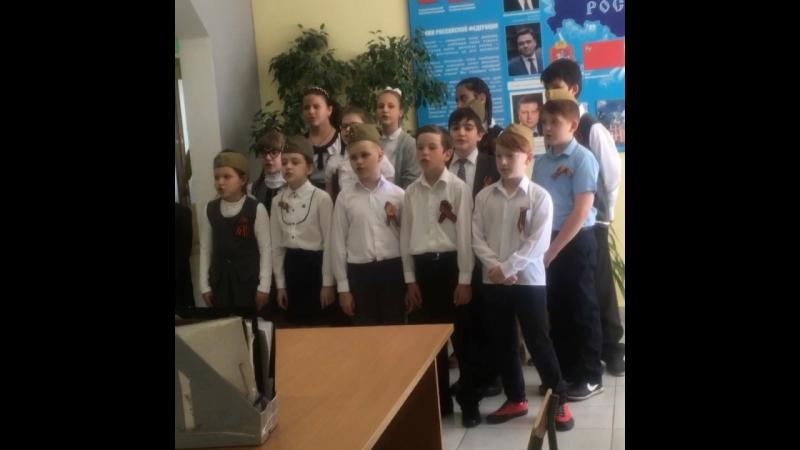 Вот так сегодня встречала всех Дубковская школа.👍👍👍