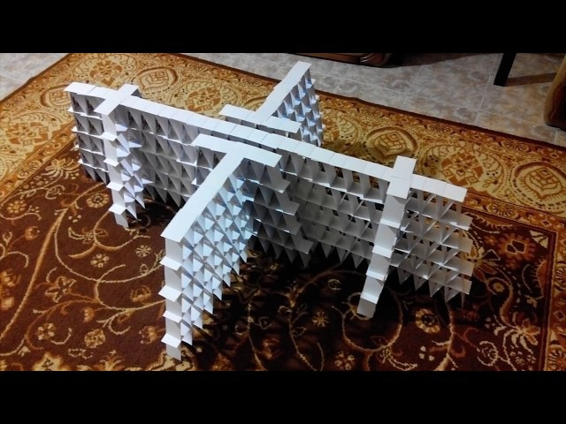 Башня из карт, карточный домик