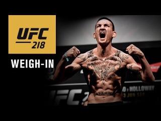 Прямая трансляция показательной церемонии взвешивания участников UFC 218.