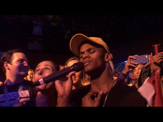 Jessie J lets fans sing and sings with her mouth closed @ Troubadour Los Angeles 10/27/17