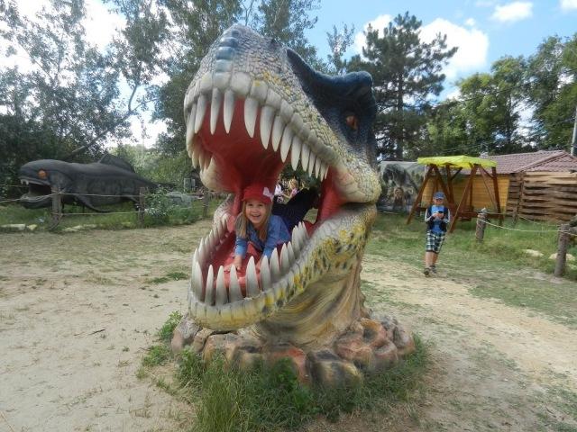 Прогулка в Динопарк, древние чудовище, динозавры, Анапа. DinoPark