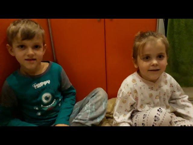 Маленькие дети 3: передают привет своему братику в будущее