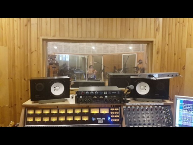 """Александр Леонтьев on Instagram """"Теперь, если у вашего звукорежиссера жена- скрипачка, струнные пишутся так приходит великолепная Гуля, и пишет ..."""