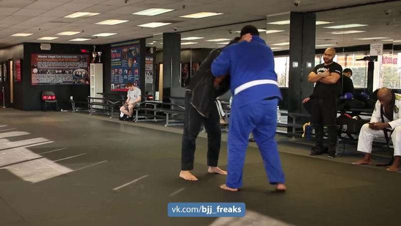 Махамед Али тренит стойку bjf_judo