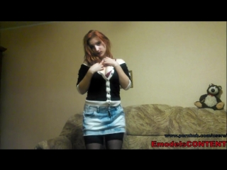 Redhead amateur wife leaked homemade video dancing striptease on camera