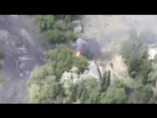 Беспилотник снял на видео взрывающуюся технику ВСУ под Горловкой.