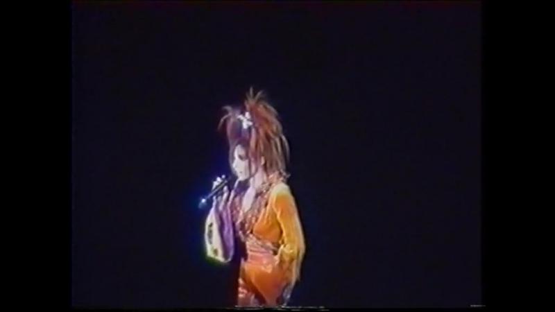 Mylene Farmer - 05 - Rever - Mylenium tour - Любительская запись - Paris Bercy - 26.09.1999