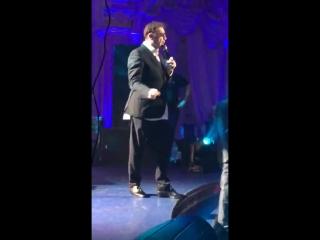 Выступление Лепса в Нерюнгри штаны задом наперед,пьяный в дымину и поет под фанеру