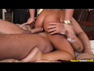 Stepsister Swap Cali Carter,  Kali Roses +1 Sneaky Sex March 3, 2018 Cali Carter, Jessy Jones, Kali Roses Sneaky Sex