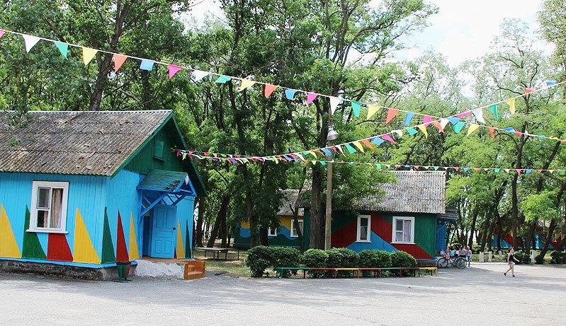 Под Таганрогом из-за многочисленных нарушений закрылся детский оздоровительный лагерь «Лагуна»