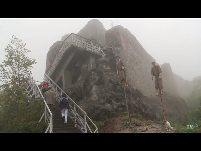 Cetatea Poenari, singura construita in timpul domniei lui Vlad Tepes (2015) - замок Поенари, Румыния, Трансильвания, Фэгэраш, Трансфэгэрашское шоссе
