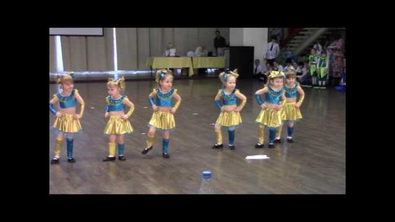 танец малышей тучки