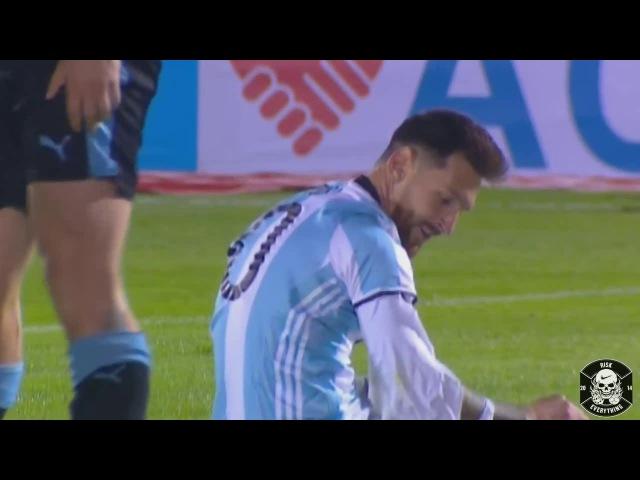 Defensores de Uruguay le rompen la Camiseta a Lionel Messi Uruguay vs Argentina 31 08 2017