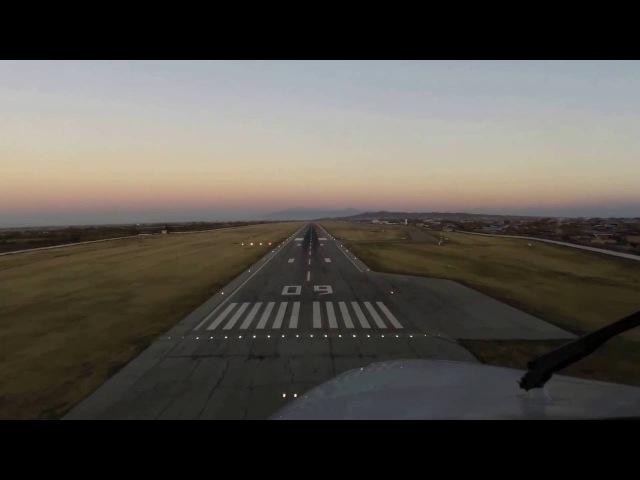 В последний момент пилот уводит аварийный самолет на повторный заход на посадку