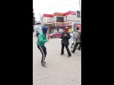 Бомж Серёга танцует хардбасс