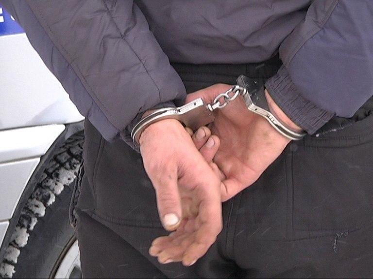 Под Таганрогом сотрудники полиции задержали подозреваемого в грабеже
