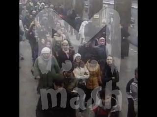 Охрана в метро все чаще досматривает хипстеров