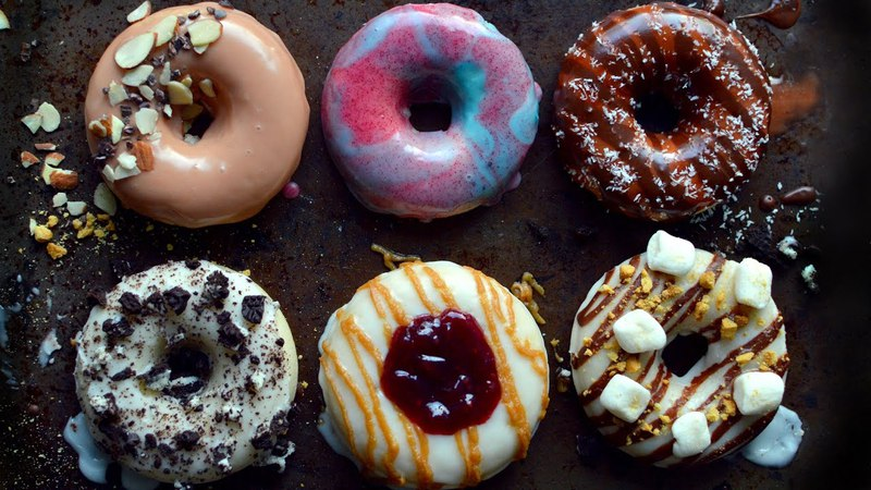 6 Vegan Donuts - Baked Frosted