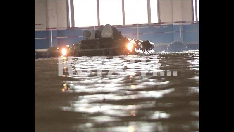 Завесу военной тайны приоткрыли на Арзамасском машиностроительном заводе - «Тигр» и БТР показывают силу на суше и воде