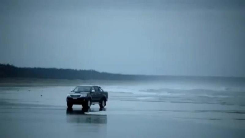 Реклама Toyota Hilux.