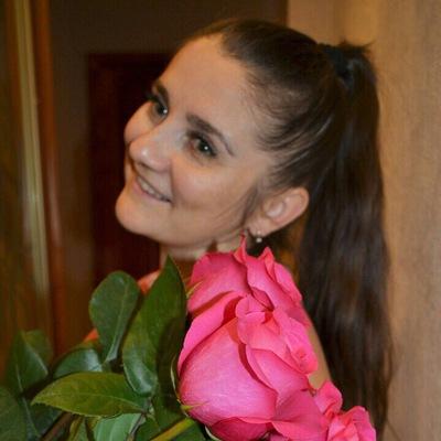 Елена Салькова