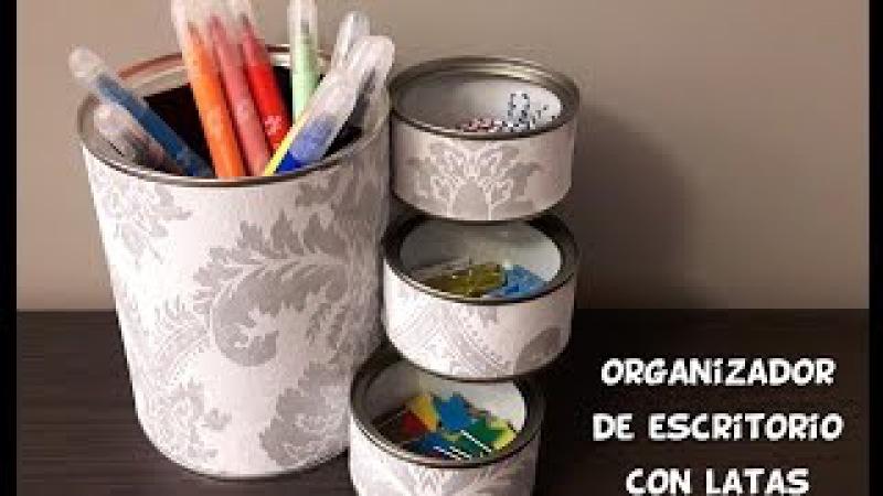 Organizador de escritorio con latas