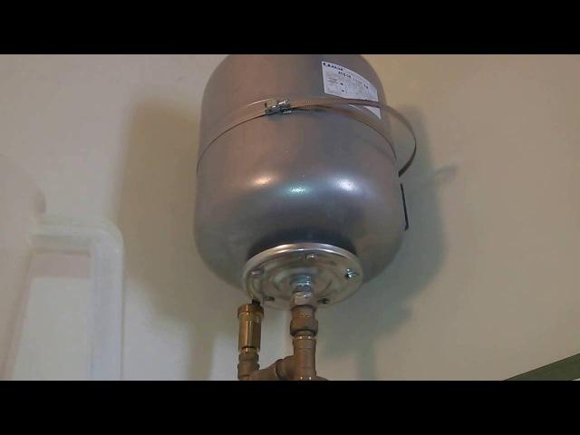 Капает вода из клапана - ревизия расширительного бака