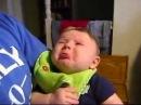 Малыш плачет когда папа поет Baby cries when dad sings