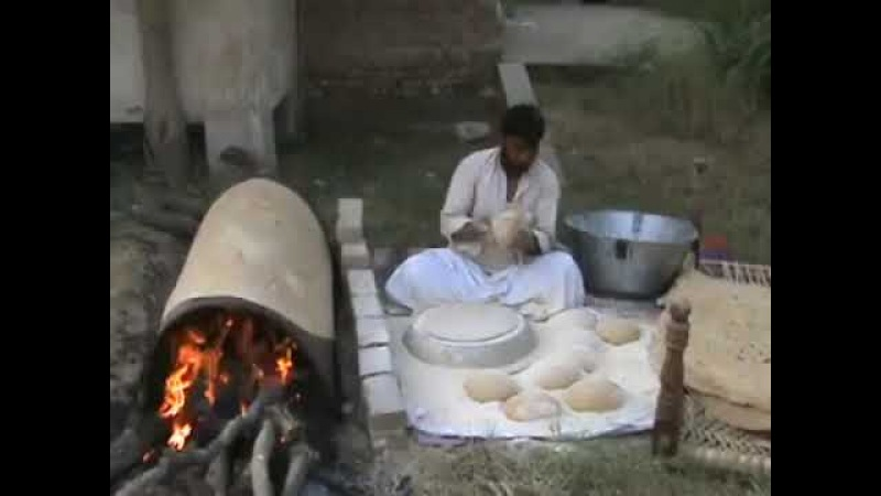 Have you ever seen such a big and thin bread (chapati, Roti)? (Entertainment - All in One)
