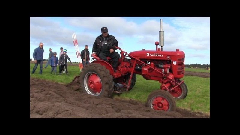 IH McCormick Deering - Farmall Model A Ploughing | WPC Denmark 2015