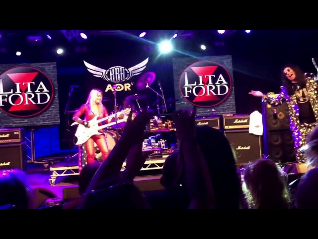 Ozzy joins Lita Ford on stage to sing Close My Eyes Forever @ HRH, Wales - (10317) .. BRILLIANT