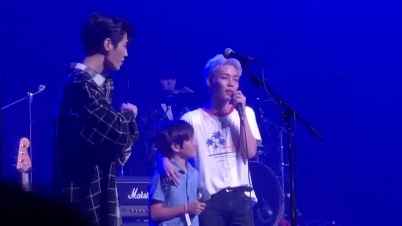 Woosung's little brother AJ came onstage and sang Candy! It's been a couple of years since