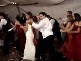 Танец подружек невесты и друзей жениха)))