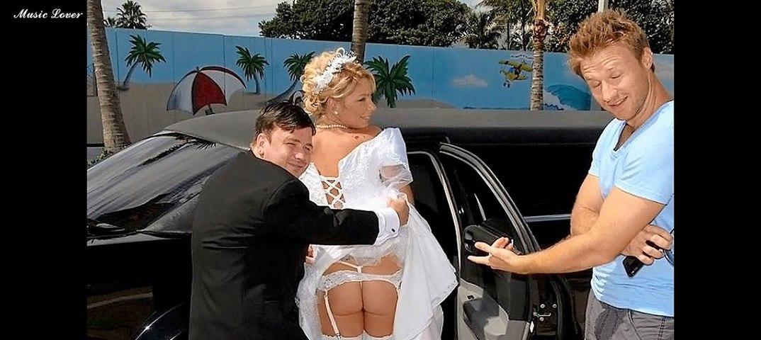 спасибо жена дразнит мужа и друга в откровенном платье такого