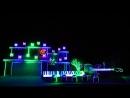 К Хэллоуину обычный дом стал световым шоу.