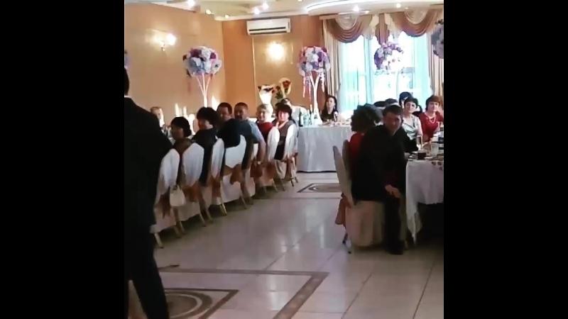 Трогательный танец золотого юбиляра с супругой!
