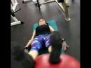 Элемент функциональной тренировки на заднюю поверхность тела спина,бедра, голень.