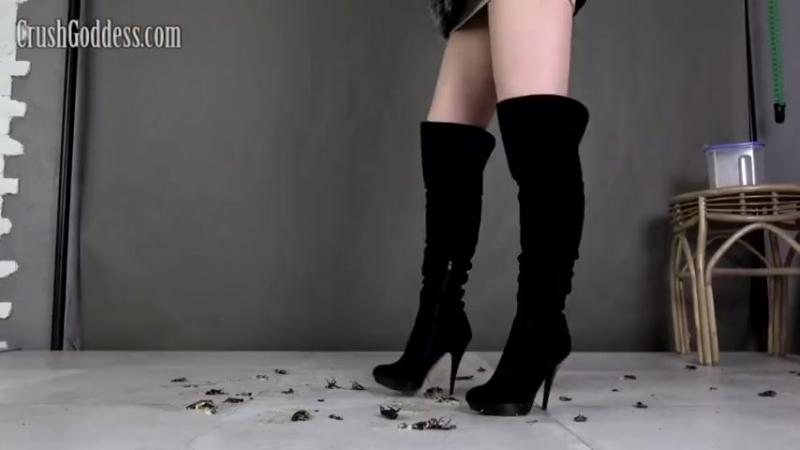 Crush cricket Marina black boots