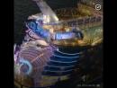 Самый большой в мире круизный лайнер Sym...the Seas (1080p)